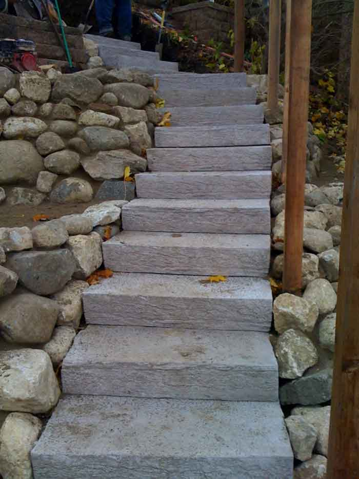 Rockstep Installation. Installation With Natural Stone